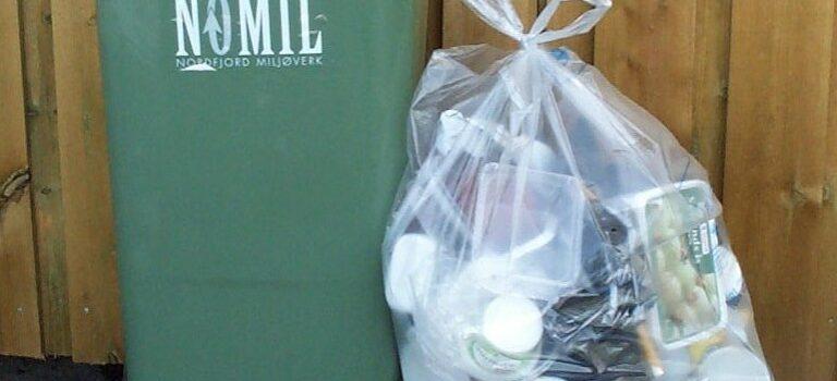 Kva kan leggast i sekken for plastemballasje?